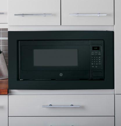 GE Profile PEM31DFBB Microwave